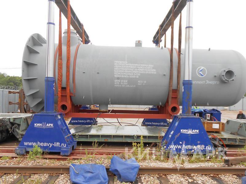 Выгрузка двух грузов гидропорталом