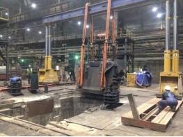 Drop forging hammer anvil block lifting, dismantling and installation.