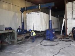 Выгрузка модулей завода на ролики