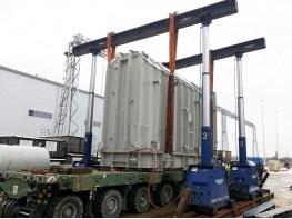 Погрузка трансформатора гидравлическим порталом