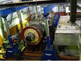 Демонтаж газовой турбины гидравлическим порталом